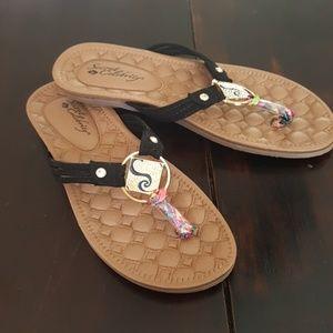 11c17c171f8 Secret celebrity sandals from Nordstrom rack